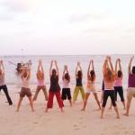 cours de yoga à Antibes sur la plage