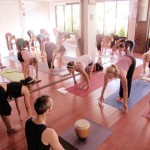 cours de yoga à antibes en salle